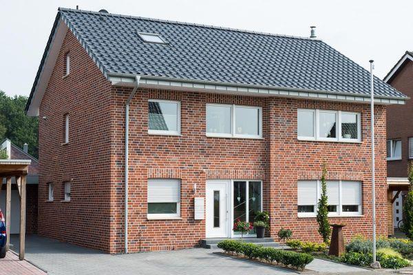 Mehrfamilienhaus H2 mit Klinker 102-104-NF rot-blau-braun