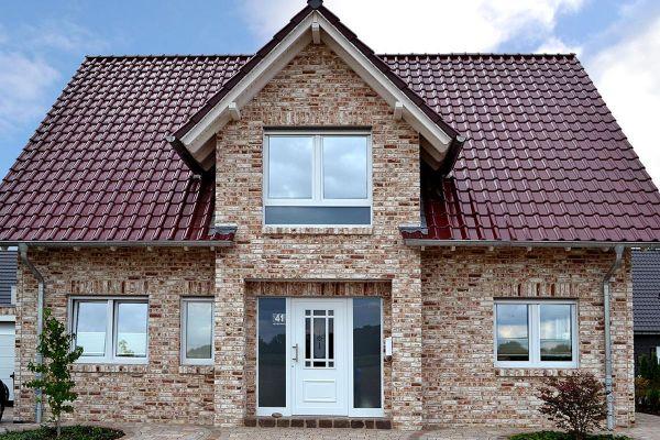Landhaus H4 mit Klinker 104-112-NF braun-weiß