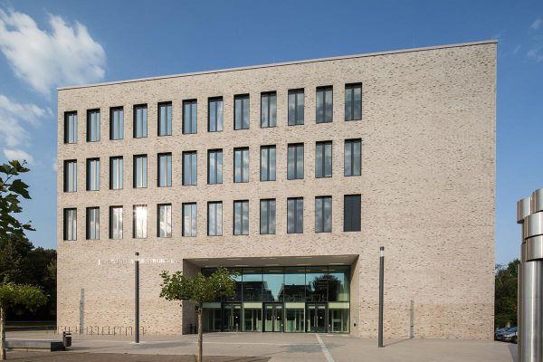 Bürogebäude H1 mit Klinker 102-136-NF grau - anthrazit nuanciert
