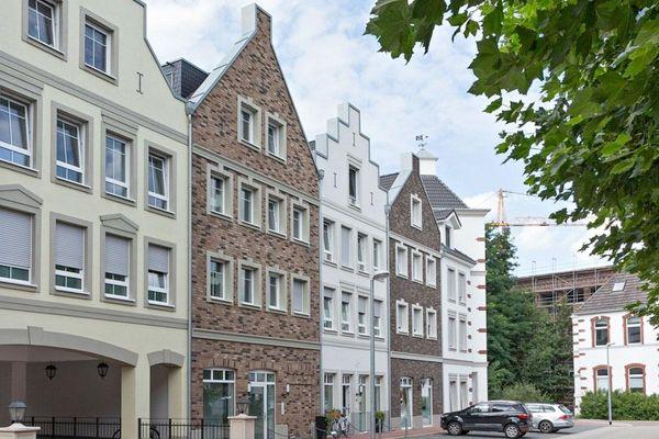 Mehrfamilienhaus mit Klinker 103-131-NF rot-bunt