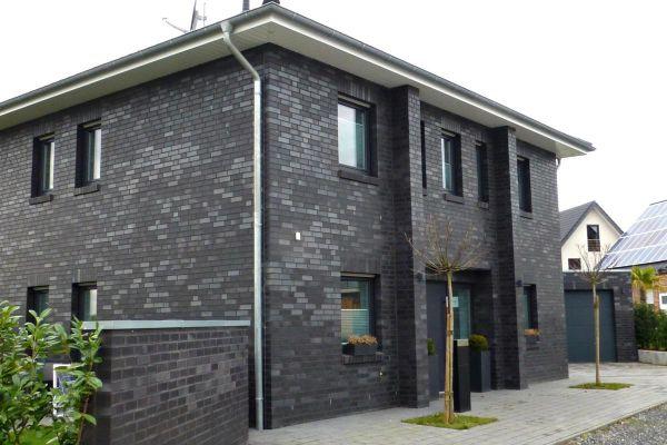 Stadtvilla H5 mit Klinker 101-127-NF schwarz - blau -bunt