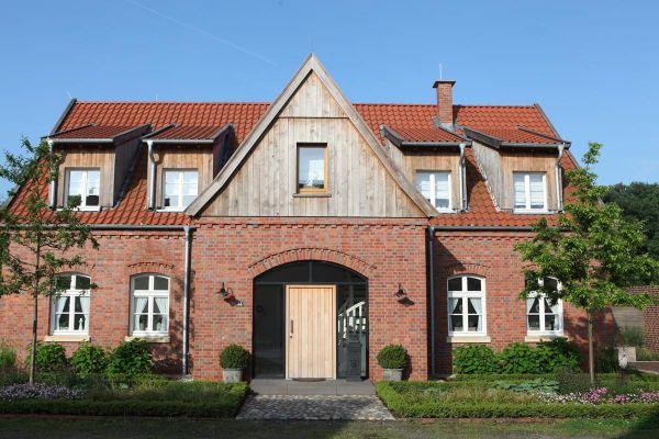 Landhaus H1 mit Klinker 111-111-RF rot-braun