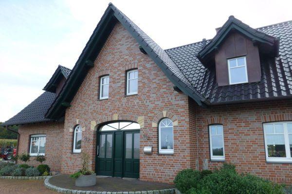 Einfamilienhaus H2 mit Klinker 101-118-NF rot -bronze-blau