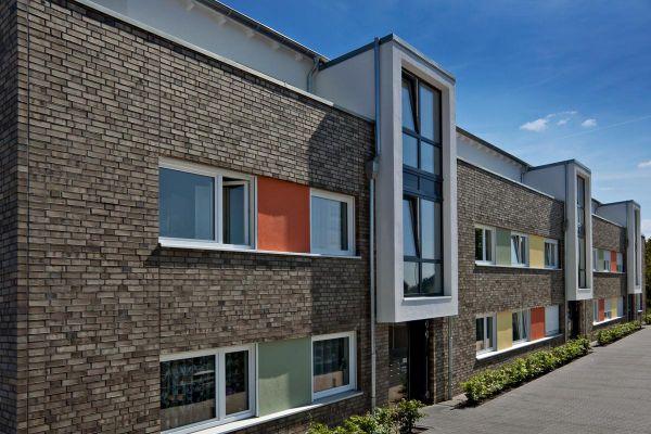 Mehrfamilienhaus H2 mit Klinker 101-112-NF braun -grau -bunt
