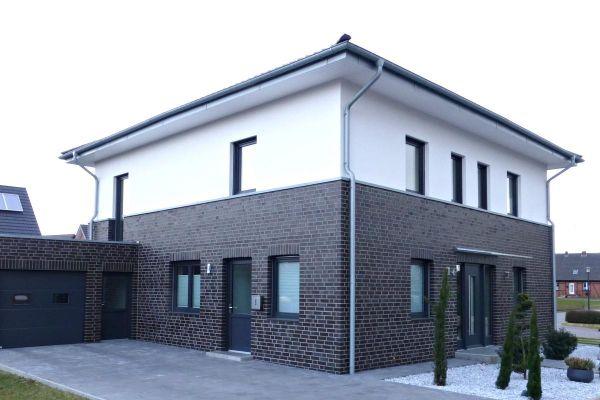 Stadtvila / Einfamilienhaus H2 mit Klinker 101-115-NF schwarz - blau -bunt
