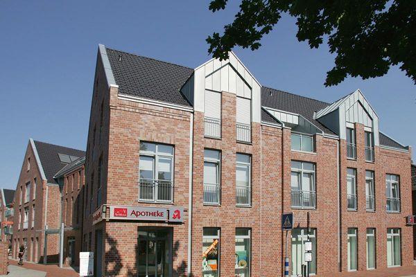 Bürogebäude H2 mit Klinker 102-105-NF rot-blau-braun