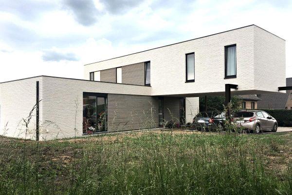 Bauhaus / Luxusvilla  H1 mit Klinker 103-143-WDF weiß