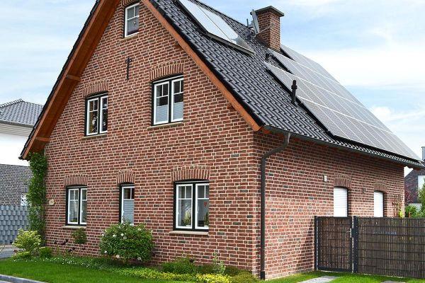 Einfamilienhaus  H4 mit Klinker 104-103-NF rot-bunt