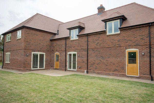 Mehrfamilienhaus H4 mit Klinker 103-126-WDF rot-bunt