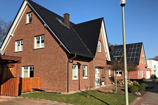 Einfamilienhaus H5 mit Klinker 104-101-NF rot-braun