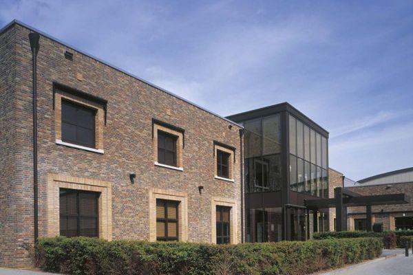 Mehrfamilienhaus / Bürogebäude H2 mit Klinker 103-178-WDF rot - braun - bunt