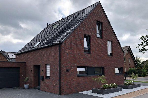 Einfamilienhaus H1 mit Klinker 101-165-NF rot - blau - bunt