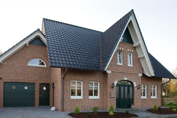 Einfamilienhaus H1 mit Klinker 102-121-NF rot-bunt