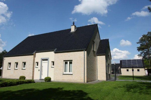Einfamilienhaus H5 mit Klinker 103-164-WDF gelb, weiß nuanciert