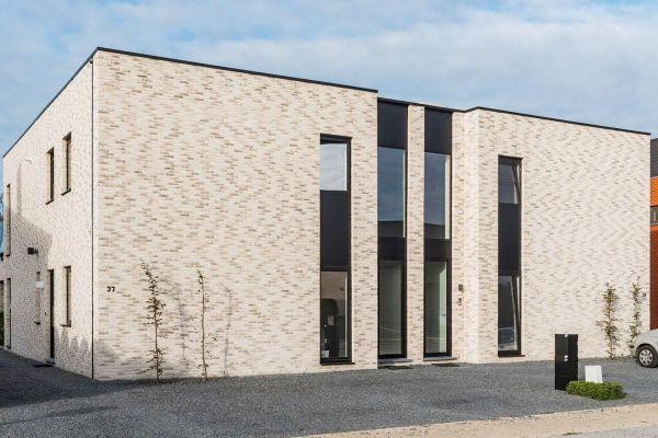 Bürogebäude H2 mit Klinker 103-144-WF weiß-grau