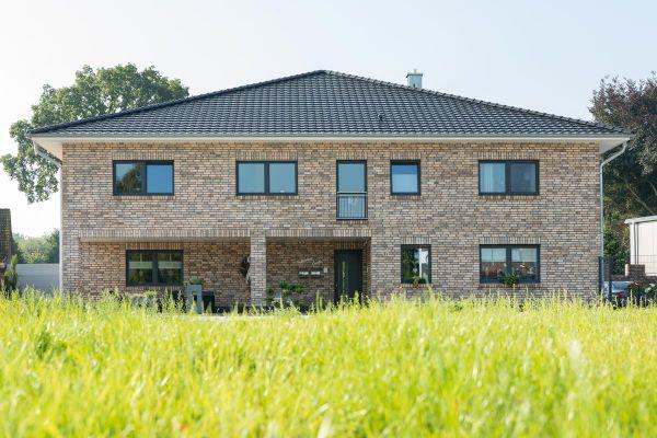 Einfamilienhaus H1 mit Klinker 106-113-NF sandfarben - gelb