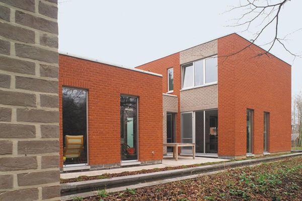 Bürogebäude mit Klinker 103-120-WDF rot-bunt