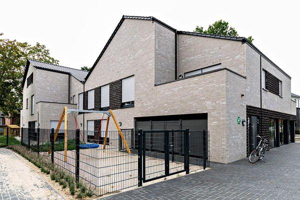 Modernes Einfamilienhaus H1 mit Klinker 101-139-NF beige - grau